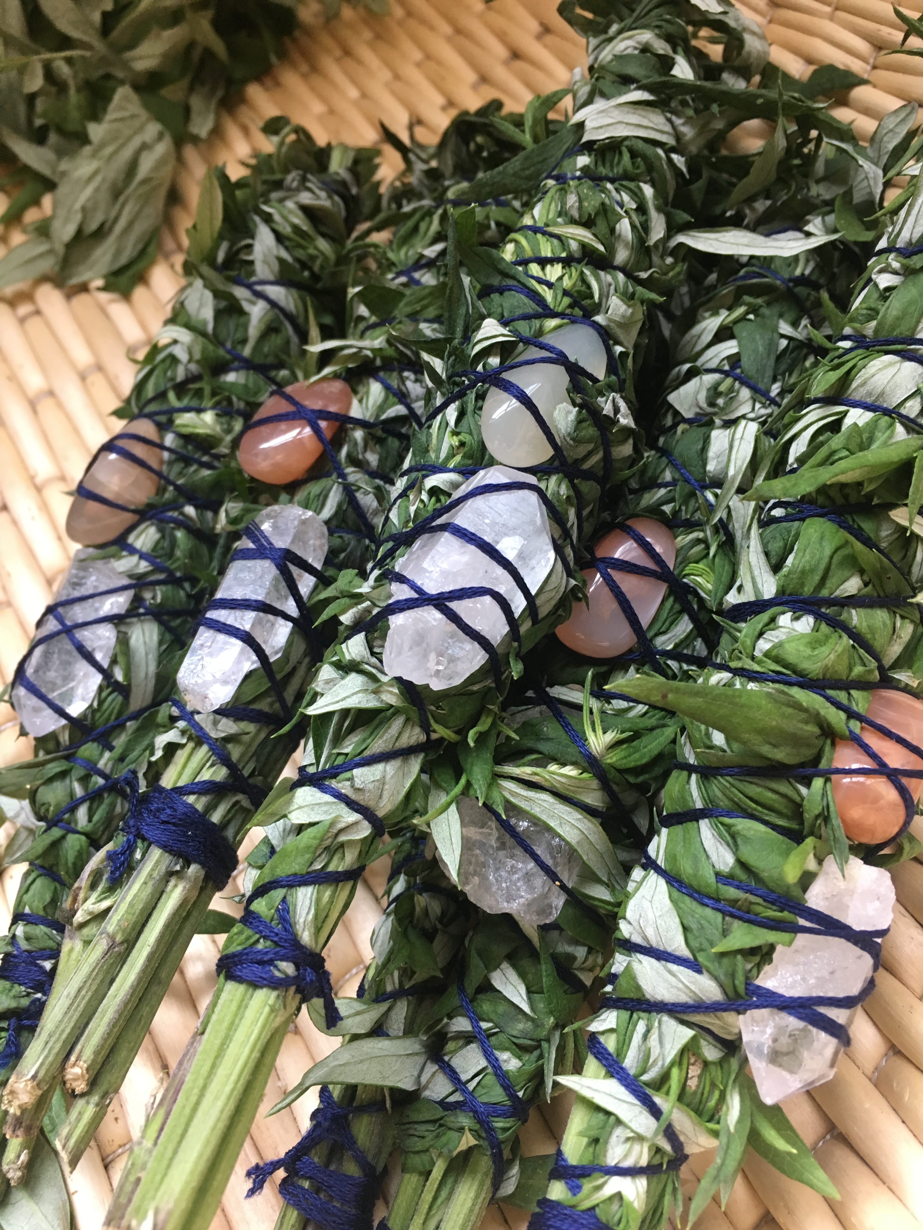 Limited Quantity** Mugwort and Crystal Smudge Bundles – Wise Oak Herbs